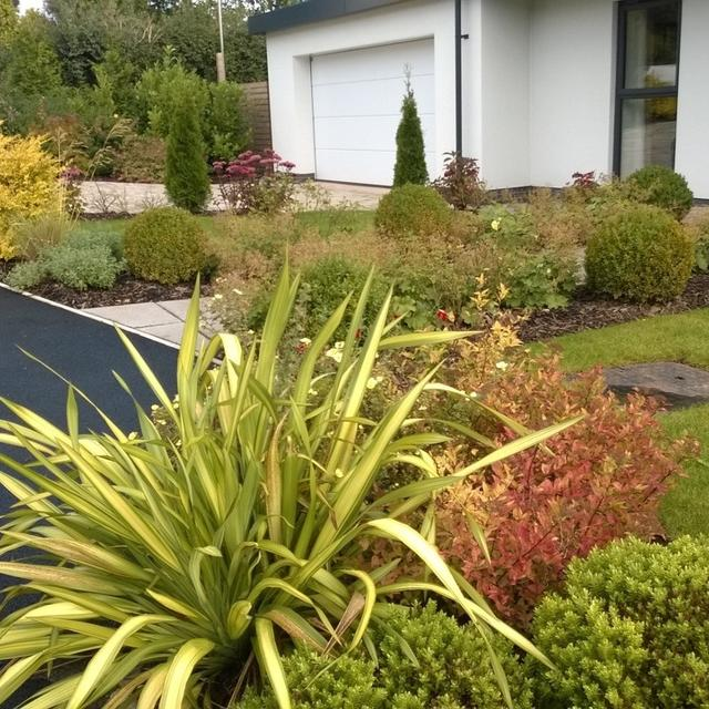 Experience, quality workmanship and customer service makes us the preferred  commercial landscape partner for contractors, construction companies, local  ... - Commercial Landscaping Maintenance Contractor In UK - Tony Benger
